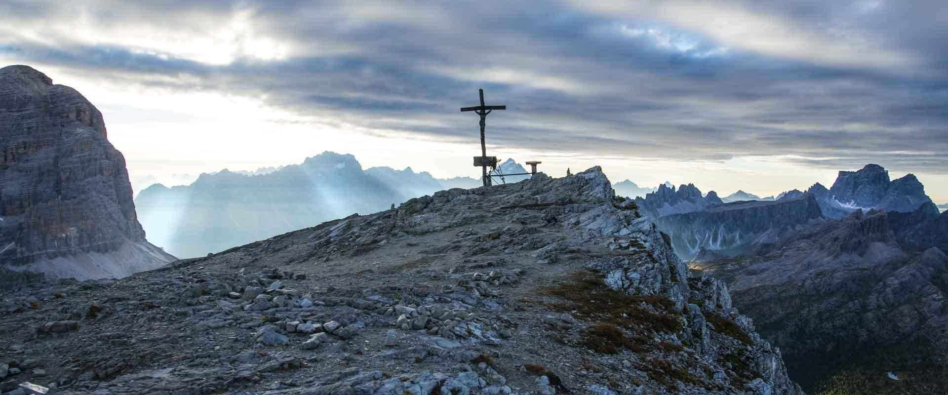 Gipfelkreuz des Lagazuoi - Foto: Stefano Zardini